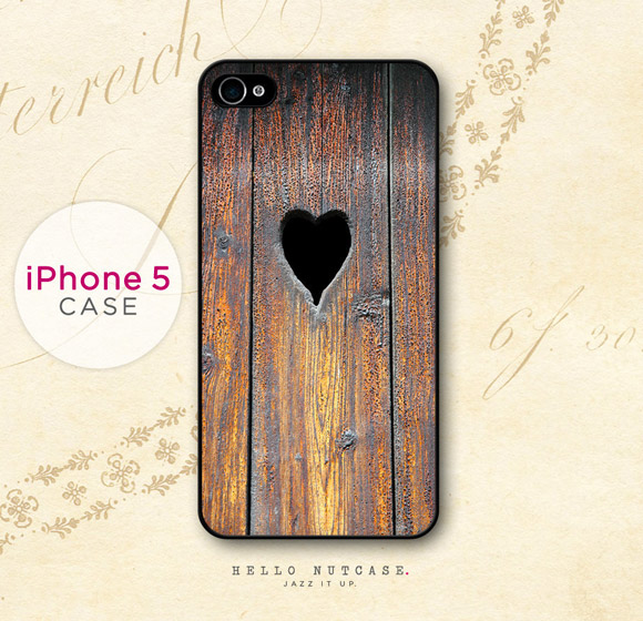 Christmas Pixie: Hello Nutcase - Wood and Heart  iPhone 5 case, custodia in legno tirolese