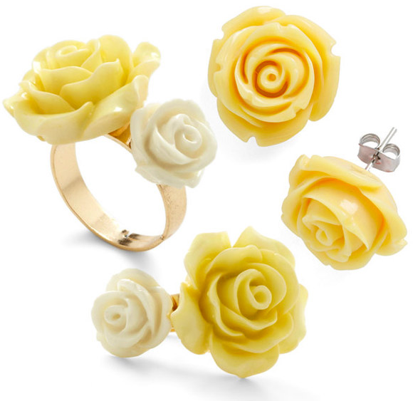 ModCloth - Retro Rosie yellow Ring and Earring in Blossoms