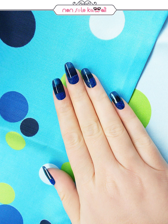 non solo Kawaii - Nail Arts for Grazia.it, Electric Blue