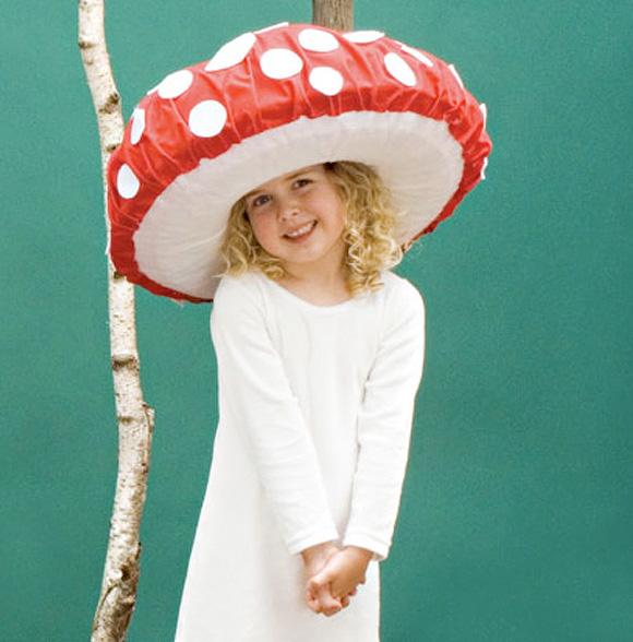 Focus on: Mushrooms & DIY, Funghi, Funghetti e Fai da te - Hat for Halloween Cappello per Carnevale