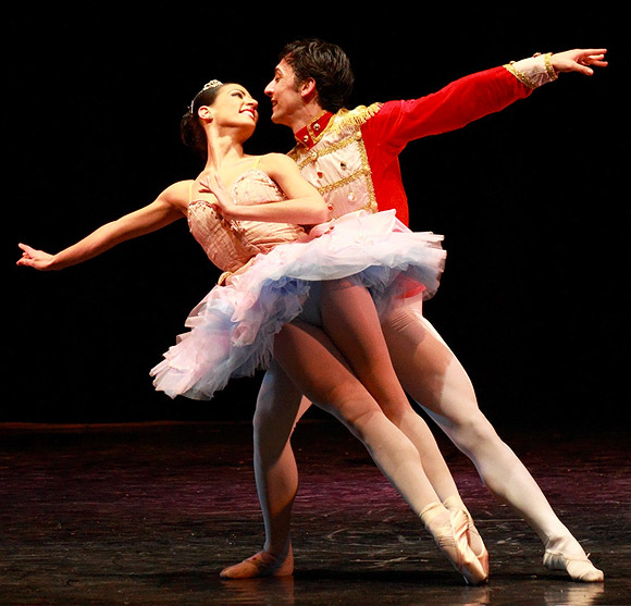 Lo Schiaccianoci, Vittorio Galloro e Arianna Lafita Gonzalves, Coreografie di Luigi Martelletta - 20 dicembre Teatro della Luna