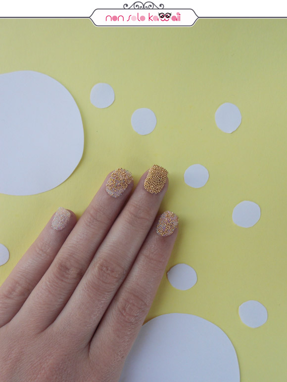 non solo Kawaii - Nail Art & Photo: Laura Castellanza | Nail Polishes Layla Caviar Effect 01 Silver, 02 Gold
